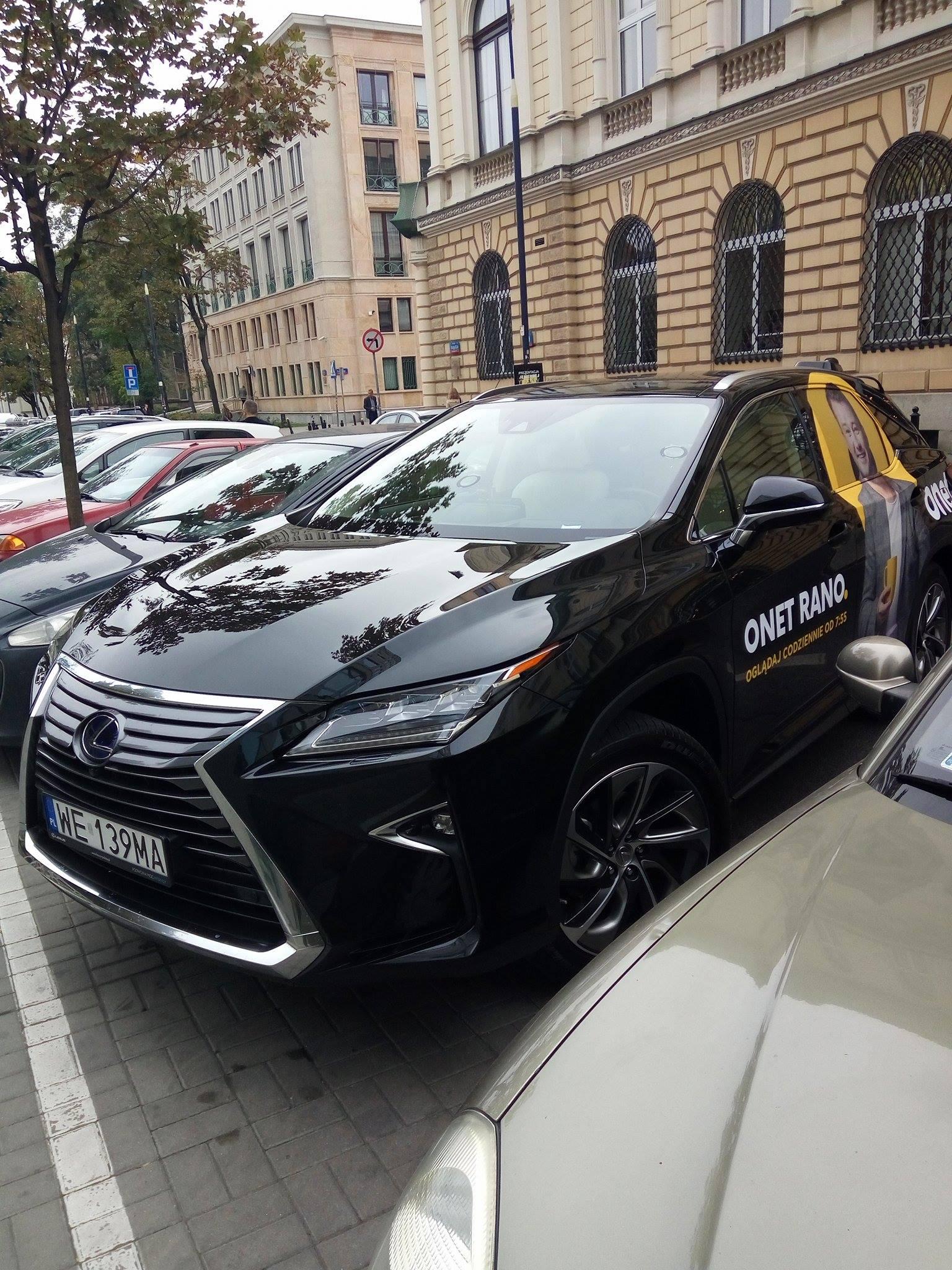 Z tego samochodu nadawane będzie poranne pasmo Onetu. fot. J. Dąbrowska